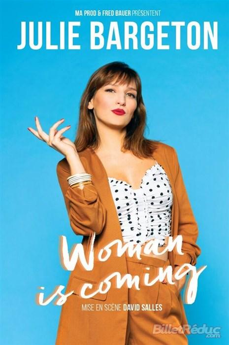 Dans son premier spectacle Julie se questionnait sur l'identité de la femme. Elle en remet une couche en s'interrogeant aussi sur l'éducation et la virilité.